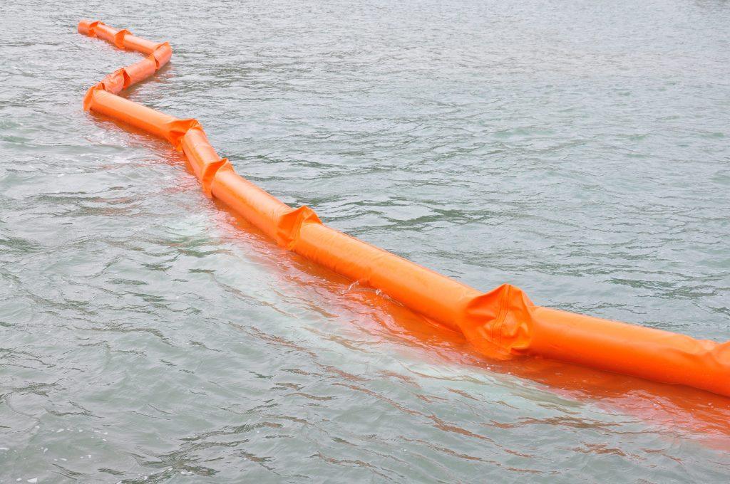 barreras de contencion marina